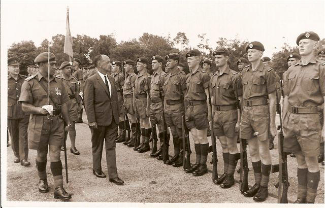 likely late 1969, Capt Jim Brown MC guard commander, VIP likely NZ High Commisioner to Malaysia [Torrance]